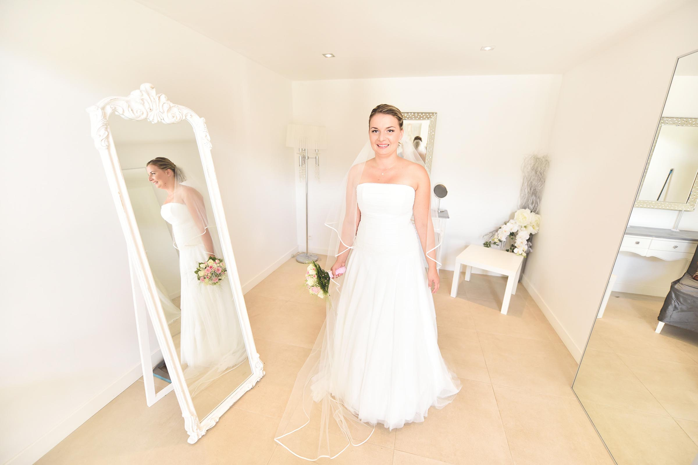 Crédit : Mark Ward Awardwedding | mariage J&F | miroir des Lys